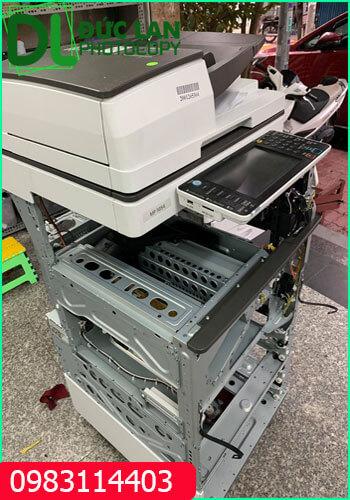 Vệ sinh máy photocopy Ricoh mp 5054 trước khi giao cho thuê